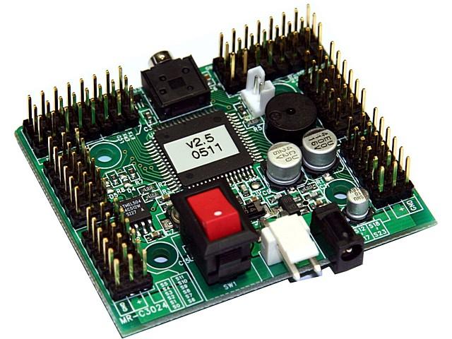 El circuito MRC3024 es capaz de controlar 24 servos y 16 dispositivos adicionales.